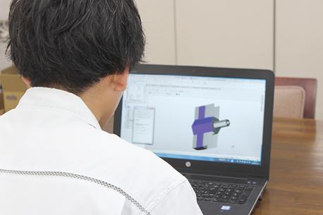 CAD CAM プログラム作成 樹脂 切削 プラスチック