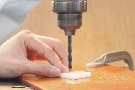 多様な加工 樹脂 プラスチック 溶接 接着 曲げ タッピング